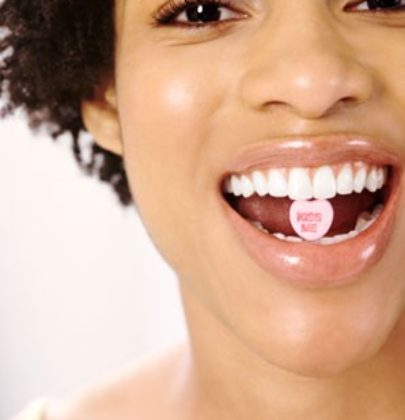 TIPS ON HOW TO WHITEN YOUR TEETH.