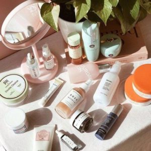 taking-care-of-your-skin-in-dry-season