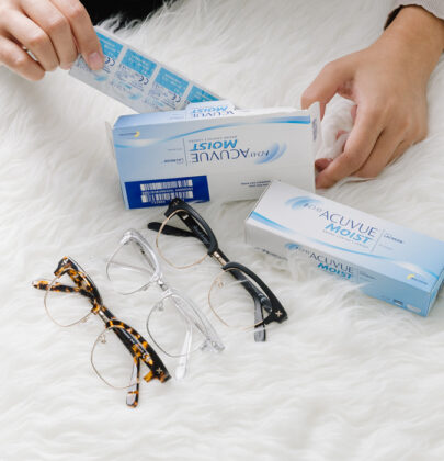 CONTACT LENS OR FRAMES
